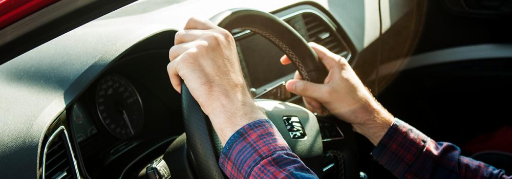 Wynajem długoterminowy samochodów dla osób fizycznych – na czym polega?
