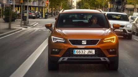 Polacy coraz chętniej korzystają z abonamentu na samochody. Dlaczego?