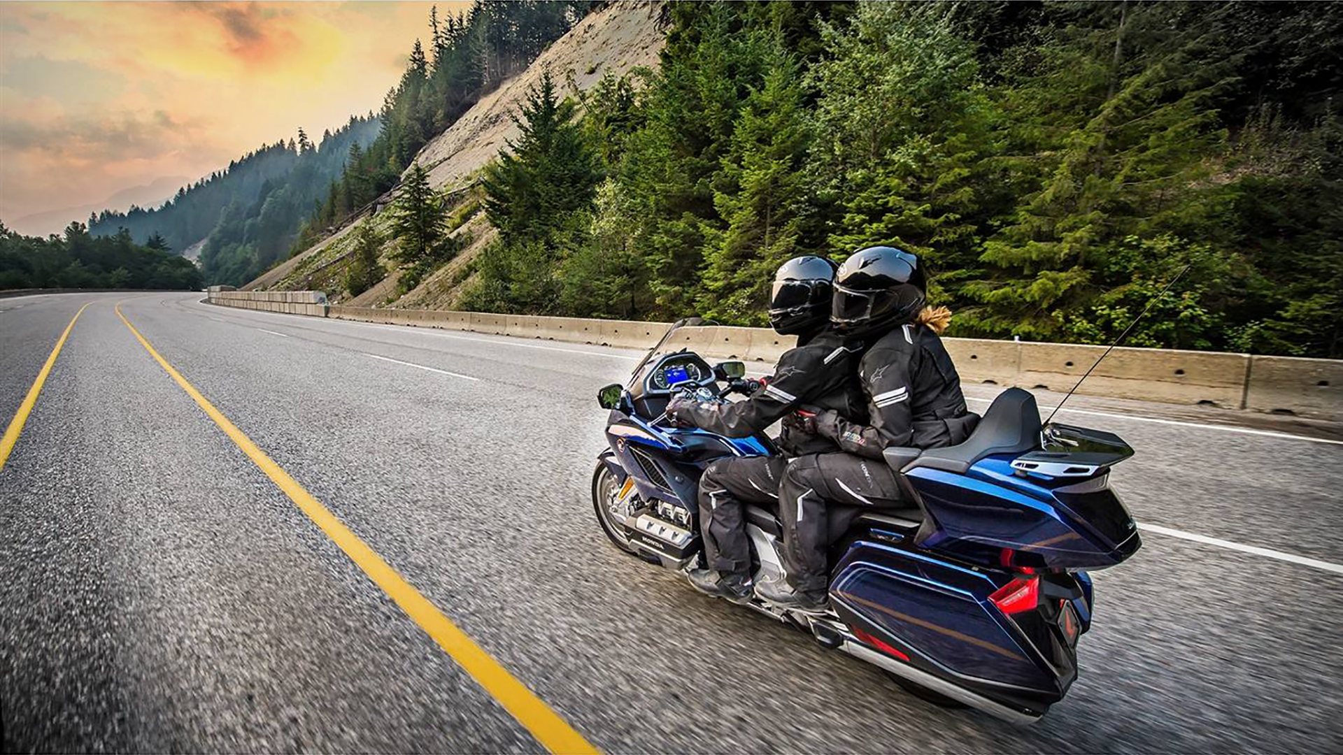 HONDA GOLD WING TOUR DCT & AIRBAG ABS